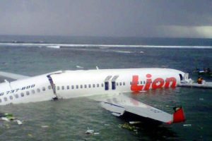 CORRECTION-INDONESIA-ACCIDENT-AIR--621x414